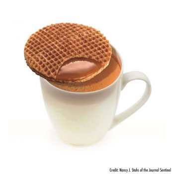 Stroopwafel on cup